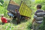 LAKALANTAS WONOGIRI : Terod Patah, Truk Terperosok Jurang