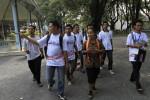 Peserta Asean Blogger Festival 2013 mengunjungi Keraton Kasunanan Surakarta Hadiningrat, Minggu (12/5/2013). Ajang kumpul Komunitas blogger dari perwakilan negara-negara ASEAN tersebut sekaligus untuk memperkenalkan potensi wisata Kota Solo.