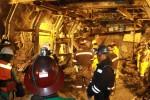 Sejumlah anggota DPR RI mengunjungi lokasi kejadian longsor di Terowongan Big Gossan, PT Freeport Indonesia, Tembagapura, Timika, Papua, Minggu (19/5). Kunjungan DPR RI kali ini untuk melihat secara langsung proses evakuasi korban longsor di PT Freeport Indonesia pada hari Selasa (14/5/2013). (JIBI/SOLOPOS/Antara)