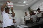 PILGUB BALI : KPU Bali Bongkar Kotak Suara, PDIP Kecam Keras