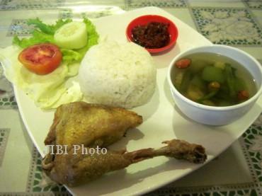 Ayam goreng Madukoro Solo.  (Kurniawan/JIBI/SOLOPOS)