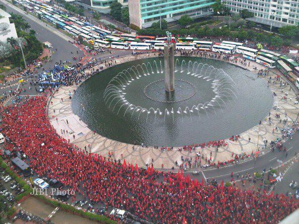Umk 2014 Hari Ini Puluhan Ribu Buruh Jakarta Bandung Demo News