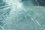 Ilustrasi kaca mobil pecah. (kaskus.co.id)