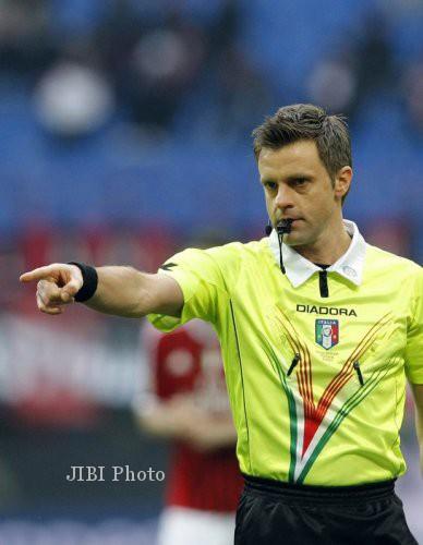 Wasit Italia, Nicola Rizzoli, akan memimpin laga final Liga Champions antara Borussia Dortmund versus Bayern Munich di Stadion Wembley, Minggu (26/5/2013) dini hari WIB. dokJIBI/SOLOPOS/Reuters