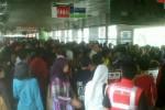 JAKARTA ULTAH : Digratiskan, Penumpang Trans Jakarta Membeludak