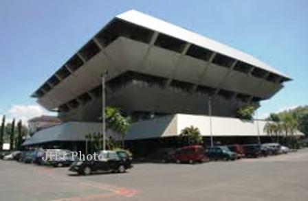 Gedung Berlian Kantor DPRD Jateng (infojawatengah.blogspot.com)
