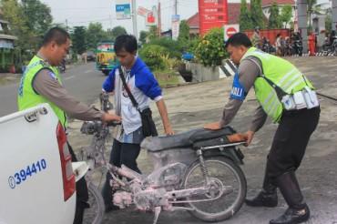Foto Motor Terbakar JIBI/Harian Jogja/Ujang Hasanudin