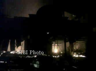 Kebakaran yang melanda toko mebel Mulya di Jl. Pandanaran 327 Boyolali, Rabu (31/7/2013). (Oriza Vilosa/JIBI/Solopos)