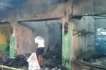 KEBAKARAN PASAR BABADAN : Sehari Pascakebakaran, Titik Api Masih Terlihat