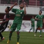 Striker PSS Sleman, Fachrudin, saat gagal cetak gol