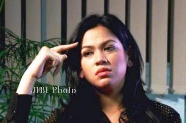 Vanny Rossyane saat tampil dalam wawancara eksklusif di Kompas TV, Jumat (26/7/2013) malam. (megapolitan.kompas.com)