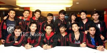 14 anggota AKM29 (jIBI/SOLOPOS/ KapanLagi.com/Muhammad Rasyad)