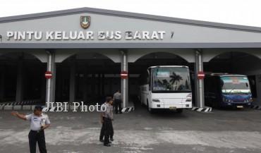 Pintu keluar bus bagian barat Terminal Tirtonadi (JIBI/Solopos/Dok.)