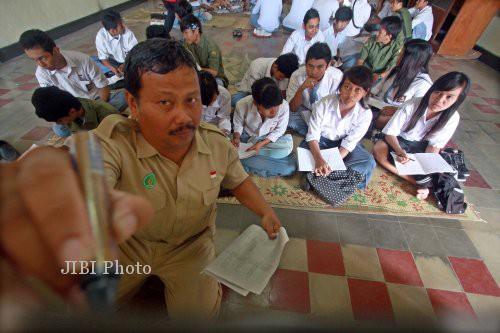 Ilustrasi guru mengajar (JIBI/Solopos/Dok.)