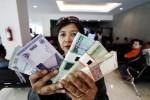 Ilustrasi penukaran uang baru (Burhan Aris Nugraha/Solopos/Dok.)