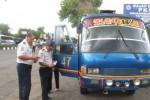 Nekat Memintas, Belasan Bus Terjaring Razia