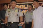 TRAVEL JOGLOSEMAR DITEMBAK : Pelaku Pegawai Honorer Pemkab Bekasi, Alami Maag Akut, Penahanan Dibantarkan