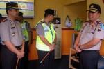 MUDIK LEBARAN 2013 : Kapolda Jateng Tinjau Pos Pam Perbatasan Jateng-Jatim