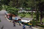 PKL SOLO : Dibongkar, PKL Pindah ke Kolong Jembatan Jurug