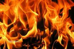 KEBAKARAN KEDIRI : Terdengar Letusan, Warung di Gunung Klotok Ludes Terbakar
