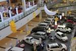 RUPIAH MELEMAH : Produk Otomotif Bakal Terkerek
