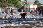 LEBARAN 2013 : Sampah Menggunung di Alun-alun Wates