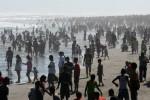 Wisatawan di Pantai Parangtritis Bantul (JIBI/Harian Jogja/Desi Suryanto)