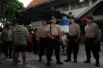 Pengamanan polisi di depan kantor KPU Karanganyar (Maulana Surya/JIBI/Solopos)