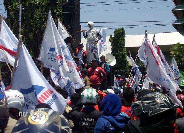 Ilustrasi demo buruh tentang UMK (Dok)