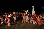 Puluhan penari membawakan tarian street dance Jampi Gugat karya Kinanti Sekar Rahina di kawasan Tugu Jogja. (JIBI/Harian Jogja/Gigih M Hanafi)