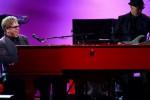 FESTIVAL MUSIK I HEART RADIO : ELTON NYANYI UNTUK I HEART RADIO