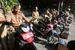 KENDARAAN DINAS SRAGEN : DPRD: Lucu Kendaraan Dinas Menunggak Pajak