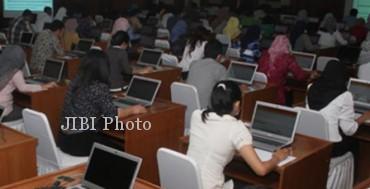 Tes CPNS Kementerian PAN-RB dengan sistem computer assisted test (CAT)