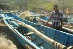 Larangan Pembelian Premium dengan Jeriken Bikin Nelayan Resah