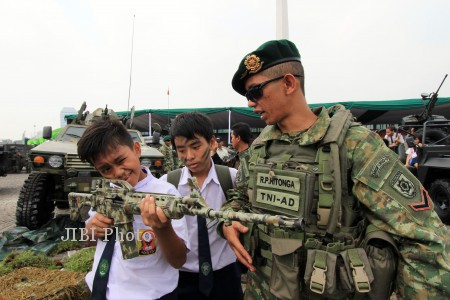 PAMERAN ALUTSISTA TNI AD