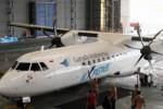 Pesawat baru Garuda jenis Turboprop ATR72-600 di Hanggar Garuda, Bandara Soekarno Hatta, Cengkareng, Tangerang, Banten, Senin (25/11/2013). Turboprop ATR72-600 itu nantinya akan melayani penerbangan perintis dengan rute ke wilayah-wilayah baru di kawasan timur Indonesia dan diharapkan dapat meningkatkan iklim investasi daerah-daerah tersebut. (JIBI/Solopos/Antara/Muhammad Iqbal)