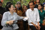 JOKOWI CAPRES : Jokowi Tetap Serahkan Soal Nyapres ke Mega