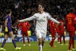 "Pemain Real Madrid Francisco ""Isco"" Alarcon melakukan selebrasi setelah berhasil menciptakan gol ke gawang Galatasaray. (JIBI/Reuters/Juan Medina)"