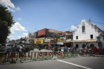FOTO PAGAR MALIOBORO : Memasang Pagar Pembatas