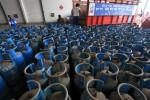 KENAIKAN HARGA ELPIJI : Harga Elpiji 12 Kg Jateng-DIY Akhirnya Rp89.000-Rp91.300