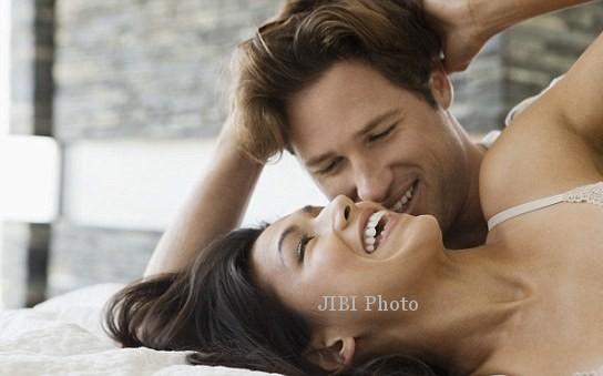 Ilustrasi hubungan suami istri (Dailymail.co.uk)