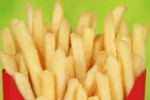 Kentang goreng adalah salah satu makanan yang mengandung lemak trans pekat (magforwomen.com)
