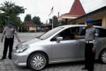 PERAMPOKAN SLEMAN : Selain Dibekap, Pengemudi Wanita Taksi Daring Didorong Keluar Mobil hingga Terjatuh