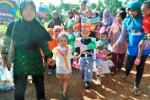 HARI AMAL BAKTI KEMENAG : Kostum Daur Ulang Meriahkan Karnaval Anak RA/TK