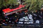 KECELAKAAN MAUT : Bus Jatuh dari Jalan Layang, 22 Orang Tewas, Sopir Selamat