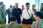 Sejumlah warga Desa Bawu, Kecamatan Kemusu, Kamis (12/12/2013), mendatangi kantor Pemkab Boyolali untuk menuntut pelantikan kepala desa (kades) terpilih dalam pilkades desa tersebut agar ditunda. (Septhia Ryanthie/JIBI/Solopos)