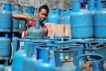 HARGA ELPIJI NAIK : Pangkalan Jual Gas 12 Kilogram Seharga Rp142.000
