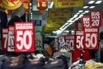 LIBURAN AKHIR TAHUN : Gila Belanja Tak Selalu Buruk
