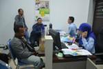 Warga meminta informasi tentang jaminan kesehatan BPJS di rumah sakit (JIBI/Harian Jogja/Kusnul Isti Qomah)