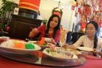 TIPS KELUARGA : Jangan Sepelekan Makan Bersama Keluarga, Ini Manfaatnya